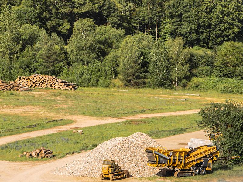 Centre de recyclage de matieres de démolition, stock vos grumes de bois Zucarlux Arlon, Luxembourg Belge